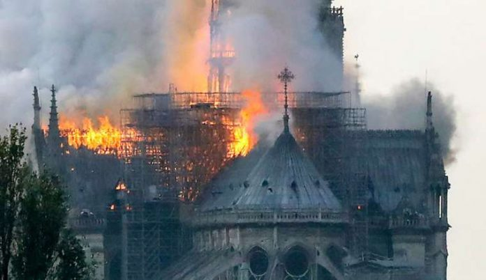 Notre Dame Cathedral In Paris On Fire Newz Post